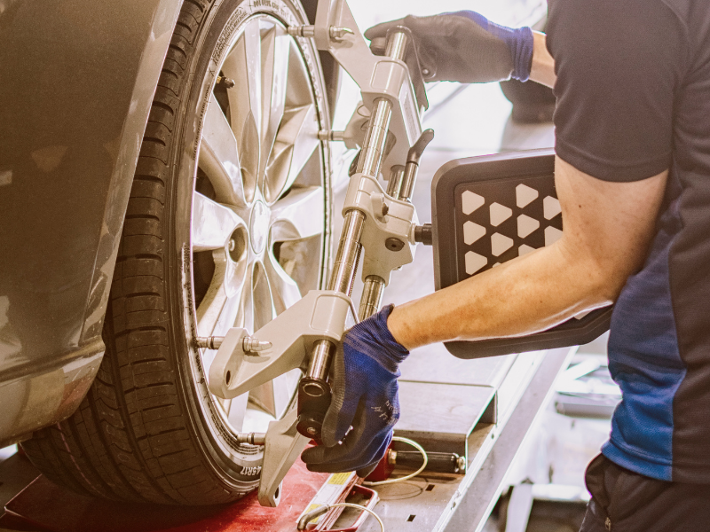 4 Ways to Tell Your Car Needs an Alignment